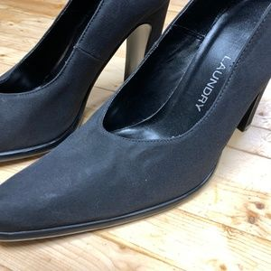 Chinese Laundry Shoes - Chinese Laundry Size 7.5 Black Suede Pumps